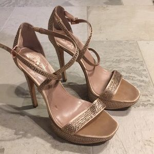 LIKE NEW Vince Camuto Bedazzled Platform Heels